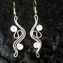 Hajlított fülbevaló, Ékszer, Esküvő, Fülbevaló, Ezüstözött drótból hajlított  fülbevaló.., Meska