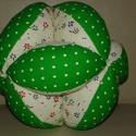 Bababarát labda, Baba-mama-gyerek, Játék, Baba-mama kellék, Készségfejlesztő játék, Varrás, A labda textilből és vatelinből készült. Mosható, és akár rágcsálható is! Segít a fogacskák kibújás..., Meska
