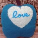 Szeretlek alma dekorációs formapárna, Otthon, lakberendezés, Dekoráció, Lakástextil, Párna, Újrahasznosított alapanyagból készült termékek, Varrás, Versenyben van a legpuhább alma formapárna címért. Kasmír gyönyörűség, még puhább szívvel. Álom-puh..., Meska