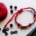 Kerékpár láncból készült karkötő fekete fagyönggyel, piros, Ékszer, óra, Férfiaknak, Karkötő, Bringás kiegészítők, Ékszerkészítés, Újrahasznosított alapanyagból készült termékek, Piros karkötő újrahasznosított fekete színű kerékpár láncból fekete fagyönggyel  Anyaga: fém kerékp..., Meska