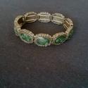 Bronzos fém karkötő, gumis, zöld opálos kövekkel, Ékszer, Karkötő, Bronzos fém karkötő, gumis, zöld opálos kövekkel, 18 cm-es, egyedi darab, Meska