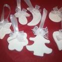 Fehér porcelán gyurma díszek, Dekoráció, Karácsonyi, adventi apróságok, Karácsonyfadísz, Karácsonyi dekoráció, Szeretnél egyedi, kézműves díszeket a karácsonyfára? Nálam többféle közül választhatsz! ..., Meska