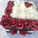 """""""Love"""" rózsadoboz"""