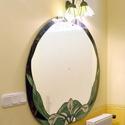Ovális tükör megvilágító lámpával, Dekoráció, Képzőművészet, Otthon, lakberendezés, Képkeret, tükör, Ovális tükör kála mintával   Tükör mérete: 110x93 cm Ára: 40 000 Ft  Megvilágító lámpa ..., Meska