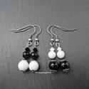 2 pár fekete, fehér ásvány fülbevaló, Ónix (6-8 mm), tejkvarc (6-8 mm) ásványok, vala...