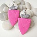 Pink káprázat  -  fülbevaló, Ékszergyurmából készítettem a fülbevalót, k...