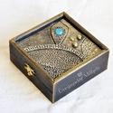 Fémes hatású különleges dobozka, A doboz mérete 10x10 cm. Levegőn száradó gyurm...