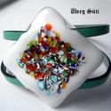 Monet festmény karkötő  fehér  csillogó két soros karkötő üvegékszer, Ékszer, Ruha, divat, cipő, Karkötő, Ékszerszett, Üvegművészet, Ékszerkészítés, Fehér , áttetsző üveg és millefiori gyöngy szeletek  felhasználásával készült  a karkötő  olvasztás..., Meska