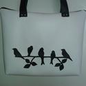 Madaras műbőr táska, Táska, Válltáska, oldaltáska, Varrás, Ha a madarak szerelmese vagy, ezt a táskát Neked készítettem!  A táska méretei: 36x27x6, pántja 68 ..., Meska