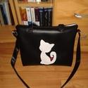 Műbőr cicás macskás fekete fehér táska, Táska, Válltáska, oldaltáska, Varrás, Műbőr táskát készítettem a macskák szerelmeseinek! Nélküled ez csak egy táska, Veled viszont már st..., Meska