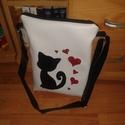 Textilbőr cicás szivecske táska, Táska, Szerelmeseknek, Válltáska, oldaltáska, Textilbőr táskát készítettem a macskák szerelmeseinek! Nélküled ez csak egy táska, Veled vi..., Meska