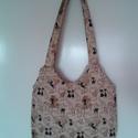 Cica macskazongorás pamutvászon táska, Táska, Válltáska, oldaltáska, Cicás táskát készítettem, vászon anyagból. Mérete 37x35x6 cm. Bélelt, vliessel ellátott. T..., Meska