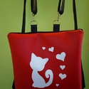 Piros cica műbőr hátitáska , Táska, Hátizsák, Varrás, A háton hordozható táskák kedvelőinek készítettem ezt a cicás táskát. A termékeim között megtalálha..., Meska