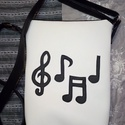 Textilbőr hangjegyes táska, Táska, Válltáska, oldaltáska, Varrás, Textilbőr táskát készítettem a zene szerelmeseinek! A bélés színe változhat. A  táska méretei: 25x3..., Meska