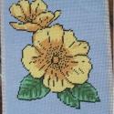 Sárga virágos gobelin, Dekoráció, Gobelin, Kivarrt gobelin. Mérete: 19x25 cm. , Meska