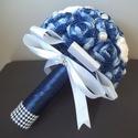 Velencei álom örökcsokor, Dekoráció, Esküvő, Csokor, Esküvői csokor, Horgolás, Virágkötés, Rendelésre készül a képen látható kék ombre hatású örökcsokor. A rózsákat kék ombre horgolófonallal..., Meska