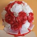 Fehér-piros ombre horgolt örökcsokor, Dekoráció, Esküvő, Csokor, Esküvői csokor, A képen látható élénk piros ombre- fehér örökcsokor igazán egyedi kiegészítőjévé váli..., Meska