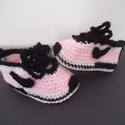 """Horgolt kislány babacipő talphossz: 10 cm 3-6 hóig, Baba-mama-gyerek, Ruha, divat, cipő, Gyerekruha, Baba (0-1év), Horgolás, Kézzel horgolt, puha kislány magasszárú, fűzős  babacipő """"Nike"""" stílusban acryl fonalból, 3-6 hónap..., Meska"""