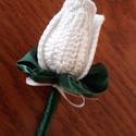 Vőlegény kitűző Fehér tulipán, Esküvő, Férfiaknak, Esküvői csokor, Vőlegényes, Egyéni megrendelés alapján egy kedves menyasszony kérésére készült a képen látható horgol..., Meska