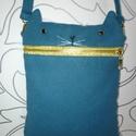 Cica táska, Táska, Laptoptáska, Válltáska, oldaltáska, Egyedileg készített tablet táska. 28*22 cm.  Kabát szövetből van , bélés is van benne és va..., Meska