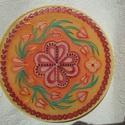 selyem mandala, Dekoráció, Otthon, lakberendezés, Kép, Falikép, 20 cm-es átmérőjű selyemre festett mandala, gyöngyökkel díszítve. Faliképnek, ablakképnek ..., Meska