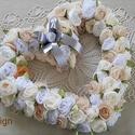 Szív alakú koszorú, Dekoráció, Esküvő, Dísz, Ünnepi dekoráció, Mindenmás, Fehér, halvány bézs és vajszínű anyagokból készült ez a szép nagy szív alakú koszorú, ami szépen mu..., Meska