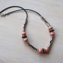 Rózsaszínű pandorás nyaklánc, Ékszer, Ruha, divat, cipő, Nyaklánc, Rózsaszínű pandora típusú gyöngyök és különféle fémgyöngyök kombinálása ad egyedi je..., Meska