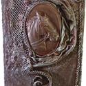 Lovas kép 1., Képzőművészet, Vegyes technika, Paverpol technika alkalmazásával készült ez a Lovas kép. Gipsz forma, textil, csipke, lenvászo..., Meska