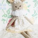 Boróka, az őzike - textilőz- öltöztethető len játékfigura - csipkés  pöttyös állatfigura - erdei állatka