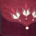 Tulipános, nagyméretű női táska, Táska, Válltáska, oldaltáska, Nem kicsi ez a táska, jól pakolható és igazán hasznos, 3 belső zsebbel, melyből egy zippzáras. Maga ..., Meska