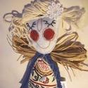 Tündér - kék, piros, beige, Dekoráció, Dísz, Ez a kedves tavasztündér beröppenhet Hozzátok? A kis figura estéhez gyapjúfilcet használtam, melyet ..., Meska