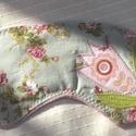 Romantikus-tulipános alvómaszk (szemmaszk), Szépségápolás, Egészségmegőrzés, Patchwork, foltvarrás, Varrás, Puha belső réteggel, kényelmesen simul az arcra ez a szemmaszk. Külső részét pamutvászonból, textil..., Meska
