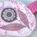 Rózsaszín, virágos alvómaszk (szemmaszk), Szépségápolás, Egészségmegőrzés, Puha belső réteggel, kényelmesen simul az arcra ez a szemmaszk. Külső részét pamutvászonból, textilr..., Meska