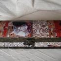 Tolltartó - Klimt, Otthon, lakberendezés, Tárolóeszköz, Doboz, Ballagás, Gyönyörű tolltartó Klimt Csók című képének nyomatával díszítve.  Anyaga fa. Mérete: 19,..., Meska