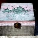 Rózsa...(teás, ékszeres, kincses doboz), Otthon, lakberendezés, Tárolóeszköz, Doboz, Decoupage, szalvétatechnika, 4 rekeszes teásdoboz egy váza virággal. Az oldalát festettem és pöttyöztem, csipkével díszítettem. ..., Meska