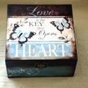 A szeretet a kulcs.... , Otthon, lakberendezés, Tárolóeszköz, Doboz, Decoupage, szalvétatechnika, 4 rekeszes doboz, a tetején egy kedves kis szöveggel.. Az oldalát festettem, fehér színnel mintázta..., Meska