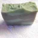 Zöld agyagos arctisztító szappan 100g ( + - 5g ), Szépségápolás, Szappan, tisztálkodószer, Szappankészítés, Ezt a szappant kimondottan zsíros, vagy zsírosodásra hajlamos , pattanásos, problémás bőrre készíte..., Meska