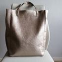 Pezsgő színű táska, Táska, Varrás, Ezt a gyönyörű táskát Olasz  textilbőrből készítettem. A színe az arany és pezsgő szín közt van pon..., Meska