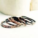 rusztikus rakásolható vörösréz gyűrű, Ékszer, Gyűrű, egyszerű, forrasztott, kalapált, rusztikus felületű, egymásra halmozható gyűrűk, vörösrézből. Ez a k..., Meska