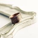 rusztikus vörösréz csőgyűrű, Ékszer, Gyűrű, kalapált textúrájú rusztikus, széles, unisex,  vörösréz csőgyűrű, kissé homorú kialakítással. 11-12m..., Meska