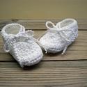 """Horgolt baba cipő """" Hófehérke"""", Baba-mama-gyerek, Ruha, divat, cipő, Cipő, papucs, Gyerekruha, Horgolás, Hófehér baba cipőt készítettem, tündéri pici babáknak. Megköthetős így nem esik le a babád lábáról...., Meska"""