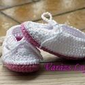 """Horgolt baba cipő """" Róza"""", Ruha, divat, cipő, Cipő, papucs, Gyerekruha, Baba (0-1év),  A kis """"Róza"""" baba cipő nagyon csinos és kényelmes.  Könnyen feladható a babára,ami nem utolsó szemp..., Meska"""