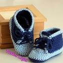 """Horgolt baba cipő """"Convers"""", Baba-mama-gyerek, Ruha, divat, cipő, Cipő, papucs, Gyerekruha, Kézzel horgolt baba cipő a legkisebb babáknak!:)    Anyag: Prémium minőségű Pamut fonal Rendelhető: ..., Meska"""