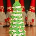 """Horgolt karácsonyfa """" Hópihe """", Otthon, lakberendezés, Dekoráció, Ünnepi dekoráció, Karácsonyi, adventi apróságok,  Hosszú órákig tartó horgolás után készült el, ez a szép karácsonyfa. Egyedi ajándék válhat belőle,d..., Meska"""