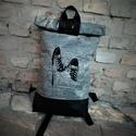 Vízálló tornacipő   mintás  roll up hátizsák, Táska, Válltáska, oldaltáska, Hátizsák, Teljesen vízálló roll up hátizsák amin fekete hímzett tornacipő minta található.Pántjai á..., Meska