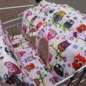 Bevásárlókocsiba beülős takaró babáknak, Baba-mama-gyerek, Baba-mama kellék, Gyerekszoba, Varrás, Mérete: 90x65cm  Mintázata: baglyos  Színei: rózsaszín, fehér, kék  Alapanyaga: pamutvászon, vateli..., Meska