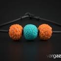 Türkiz-narancs gyöngy nyaklánc, Ékszer, Medál, Nyaklánc, Ékszerkészítés, Gyurma, Kézzel készült, különféle színű és díszítésű gyöngyök süthető gyurmából. Aprólékos munkával, kiváló..., Meska