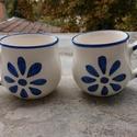 Virágos bögrék, Konyhafelszerelés, Bögre, csésze, Kerámia, Kék-fehér virágos bögrék párban. Fél literes űrtartalmúak. Vidám reggelekhez. Kávénak, teának. , Meska
