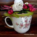 Húsvéti asztaldísz, Dekoráció, Ünnepi dekoráció, Húsvéti apróságok, Asztaldísz, Porcelán teáscsészébe készült Húvéti dekoráció. Vidám tavaszi színekkel,pinkkel,zöldekk..., Meska
