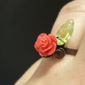 Piros rózsa gyűrű romantikus réz ékszer, Réz drótot kalapáltam, hajlítottam és a gyűr...